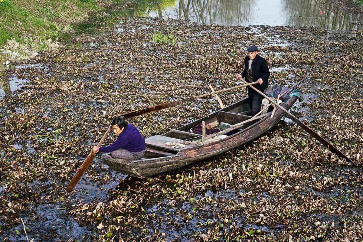 Verschmutzer Nebenfluss des Jangtse