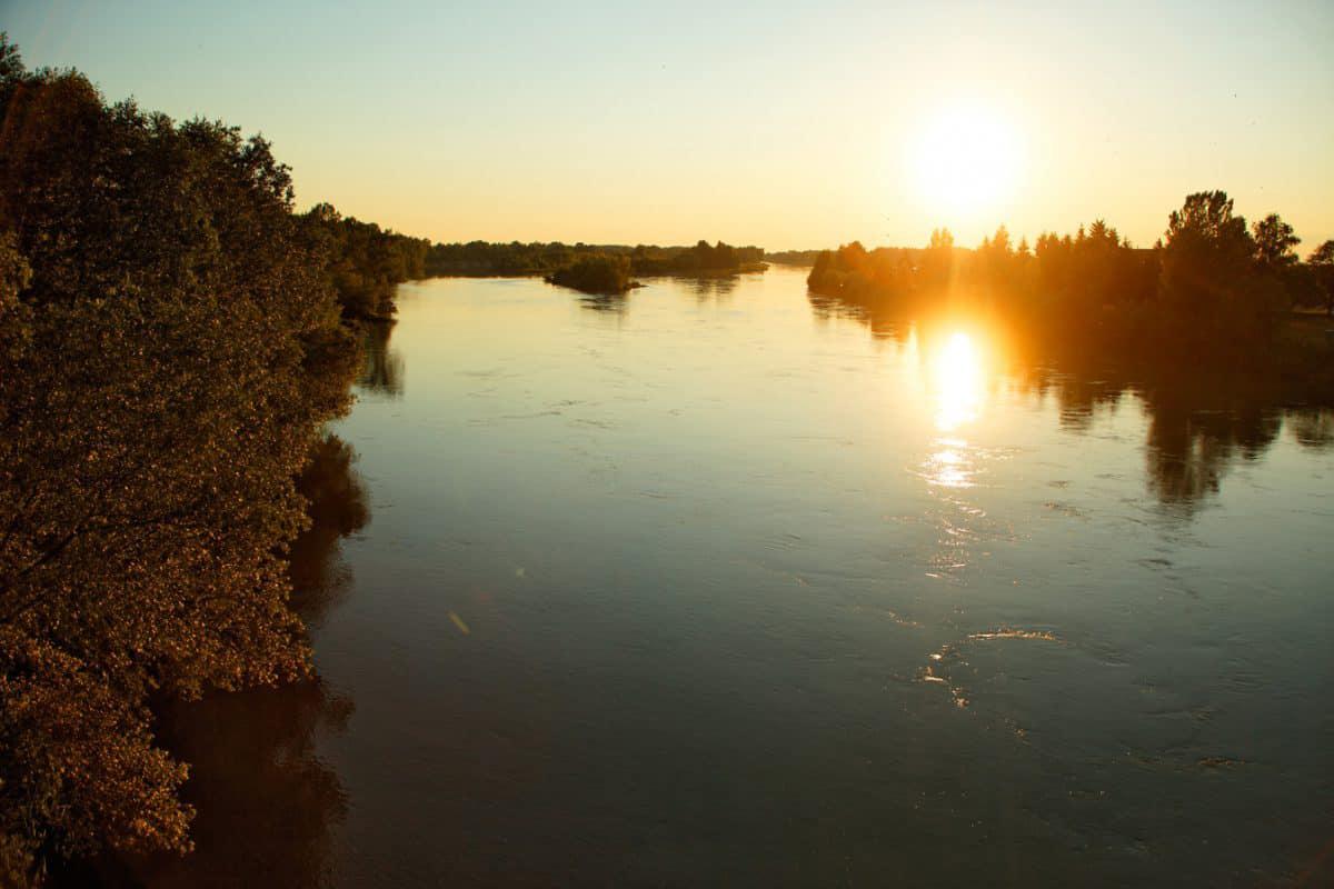 Sonnenuntergang an der Drau