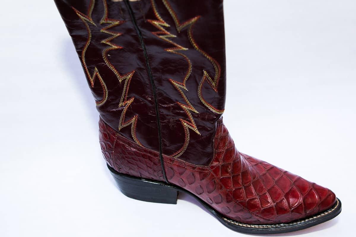 Stiefel aus Pangolin-Leder