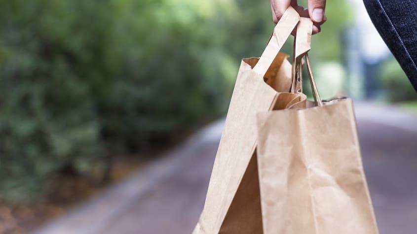 Mythos #3: Papiertüten sind viel umweltfreundlicher als Plastiksackerl