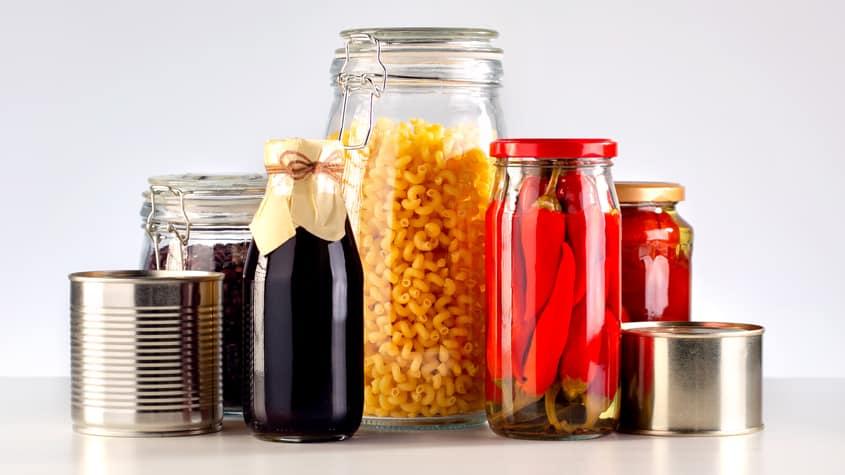 Mythos #4: Für Lebensmittel sind Behälter aus Glas besser als Konservendosen