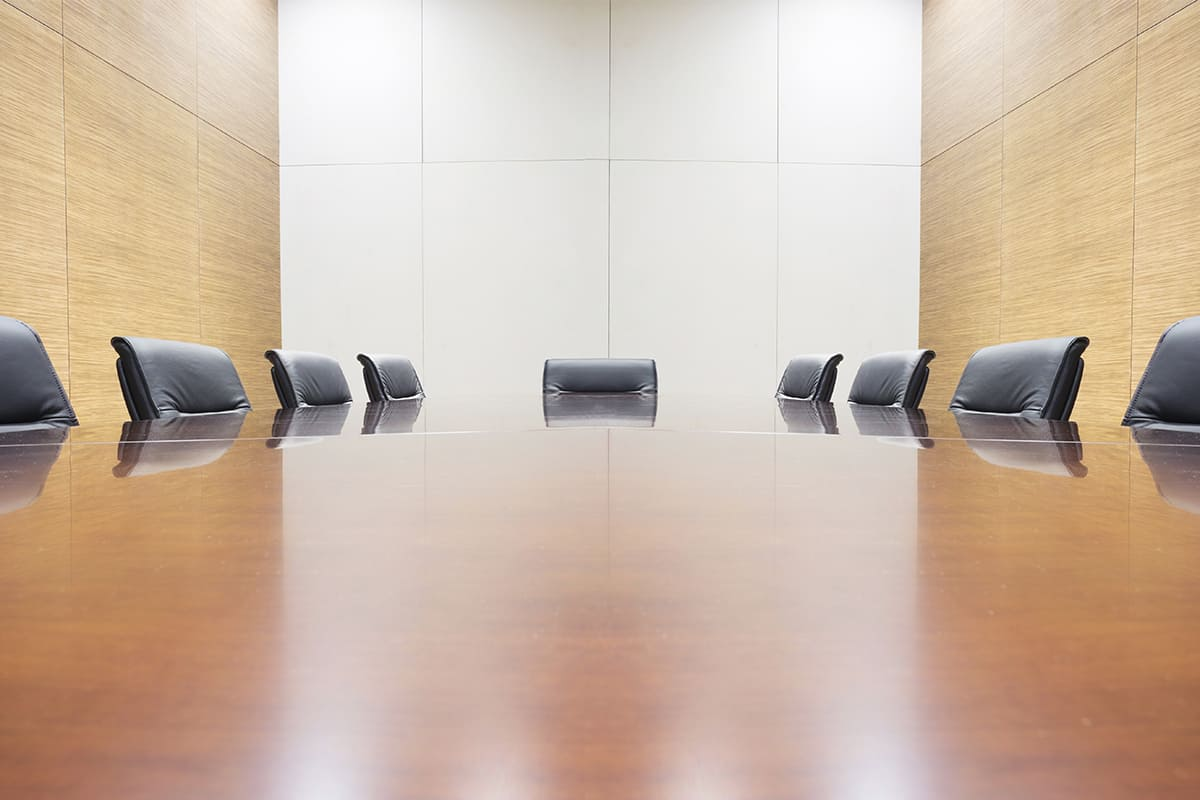 Leerer Konferenztisch