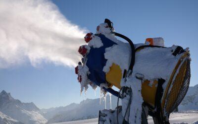 Blick unter die Schneedecke: Wie der Wintertourismus alpine Landschaften zerstört