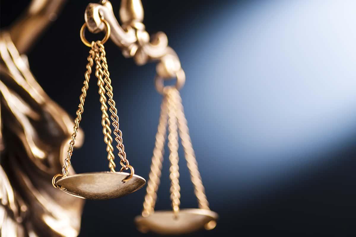 Close-up einer Waage der Justiz