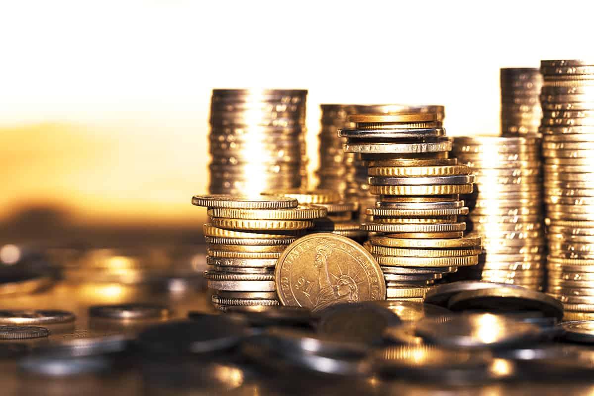 Einige Stapel Münzen