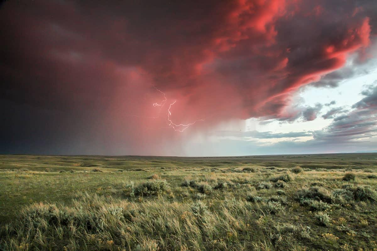 Gewitter über weiter Ebene